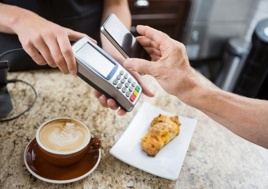 Platba pomocou NFC v reštaurácii