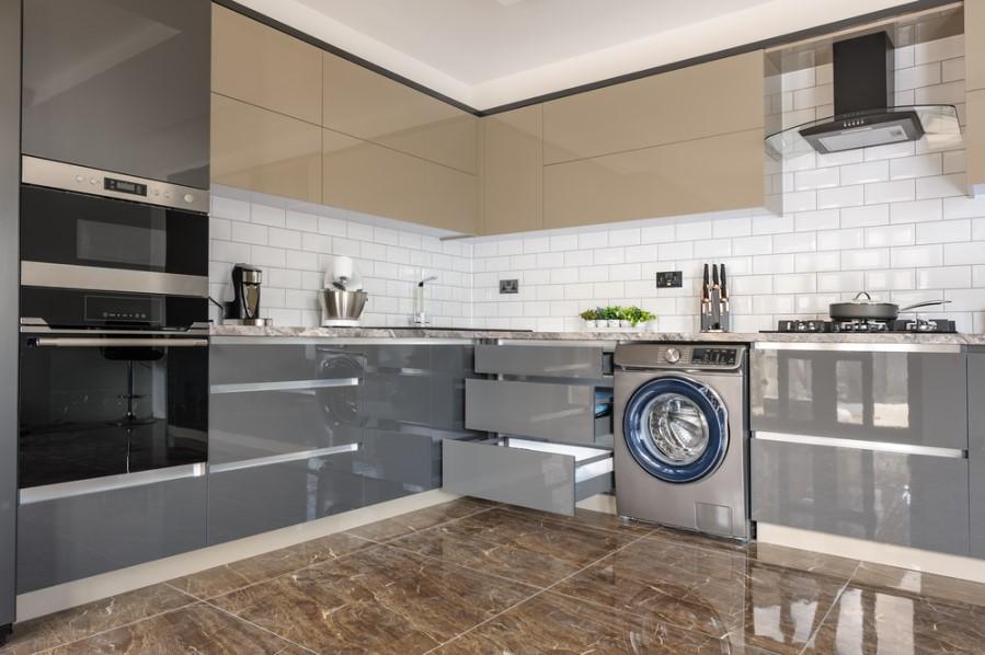 Práčka umiestnená v kuchyni