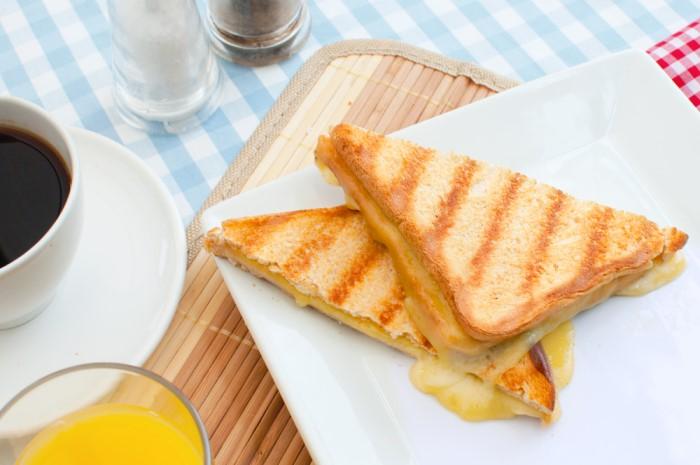 Zapečené toasty so syrom