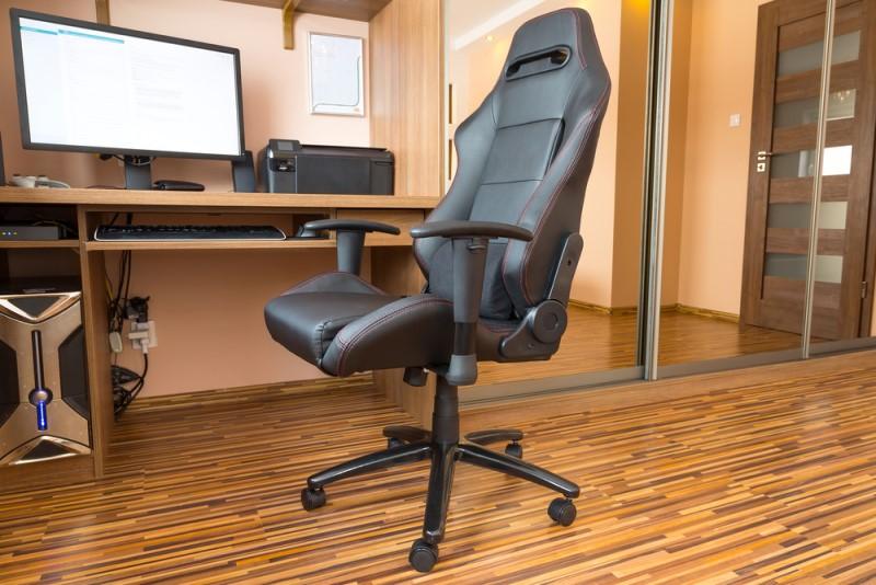 Kancelársky nábytok a elektronika v home office