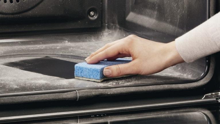Samočistenie rúry na pečenie