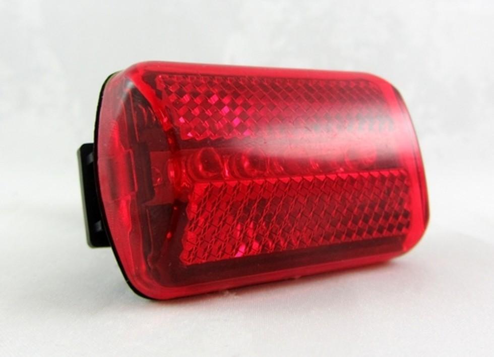 Cyklo LED svietidlo predné BC 110