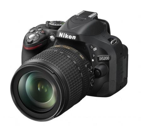 Digitálna zrkadlovka Nikon D5200 + 18-105 AF-S DX VR ROZBALENO