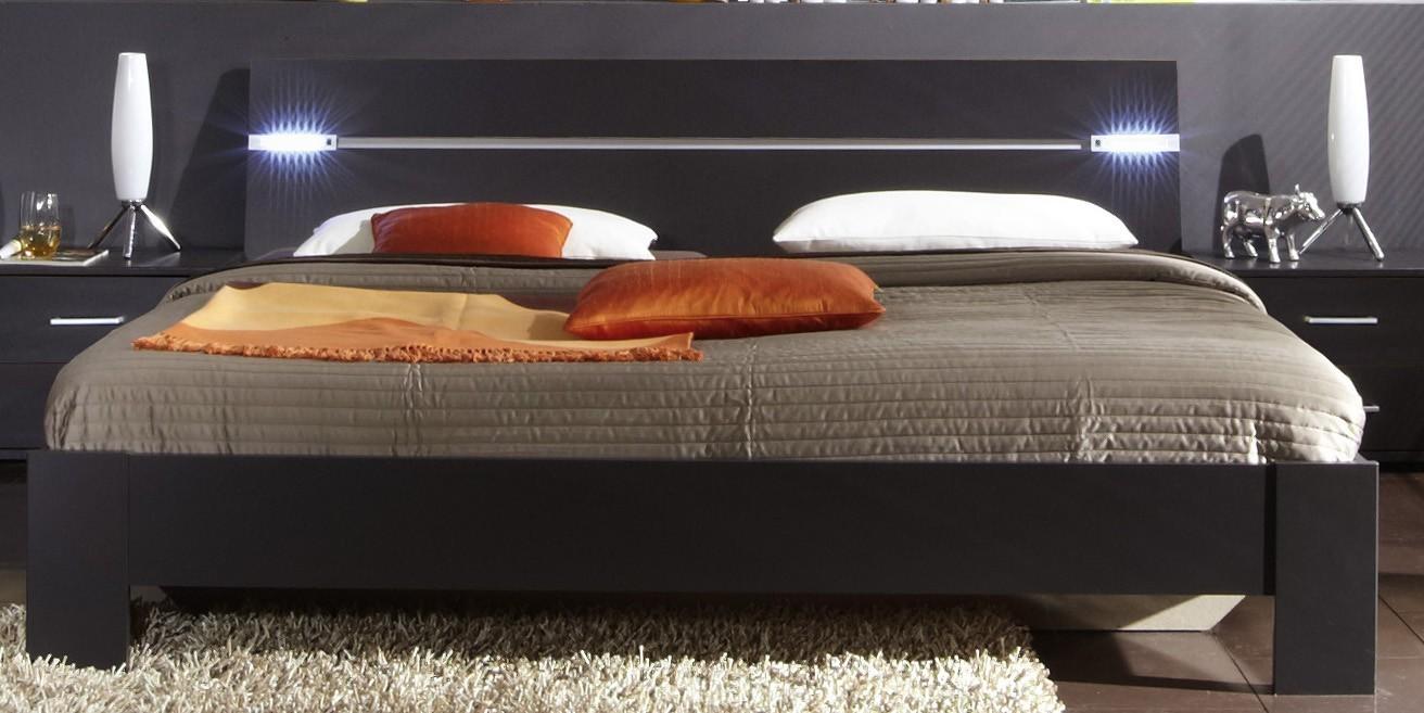 Drevená Madrid - posteľ 160 cm (lava čierna)