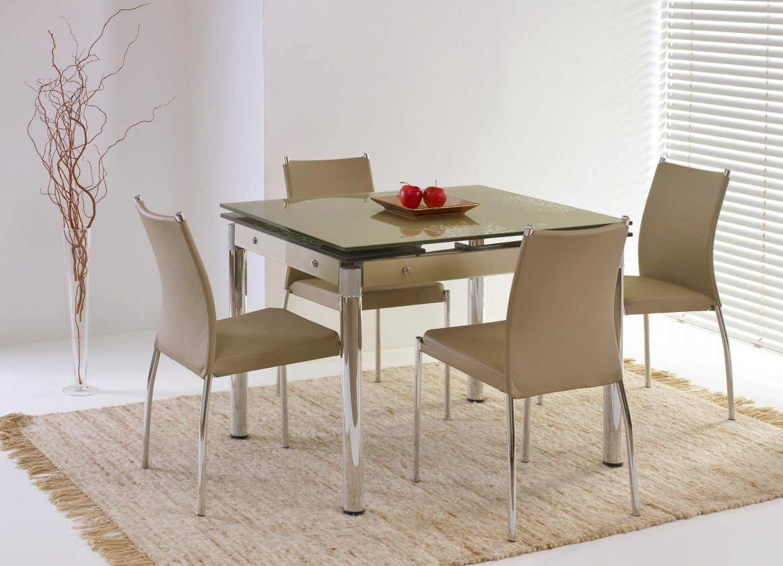 Jedálenský stôl Elton (sklo - béžová / oceľ)