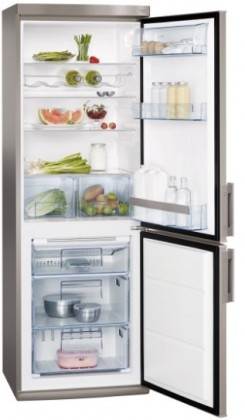 Kombinovaná chladnička AEG S73200CNS1