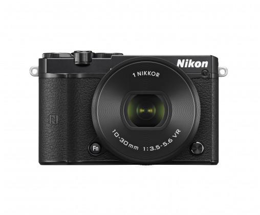 Kompakt s výmenným objektívom Nikon 1 J5 + 10-30mm black