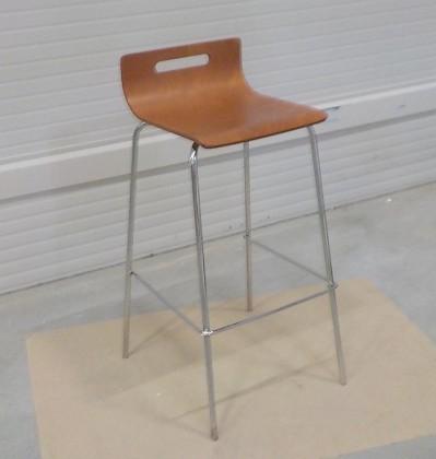 Kuchyne, jedálne ZLACNENÉ SINTE-S židle barová kovová, sedák překližka mořená na třešeň