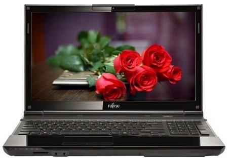 Notebooky  Fujitsu Lifebook AH532 černá (VFY:AH532MPAA1CZ)