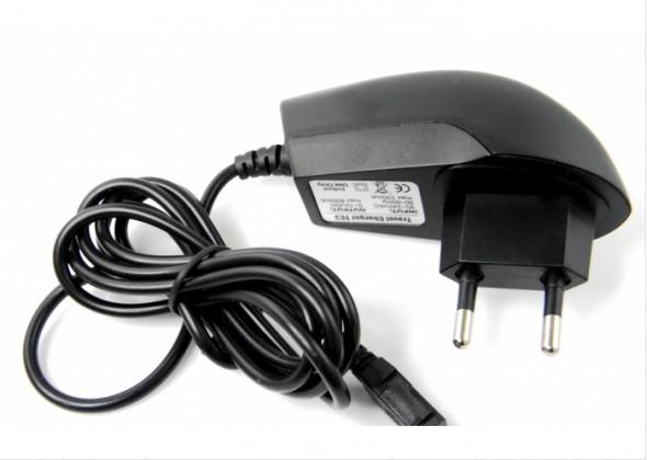 Sieťové nabíjačky (230V) Nabíjačka WG s konektorom Micro USB, čierna