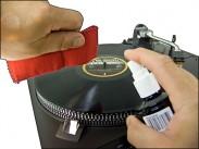 Sprej s utierkou na čistenie LP platní. Objem spreja: 200 ml.