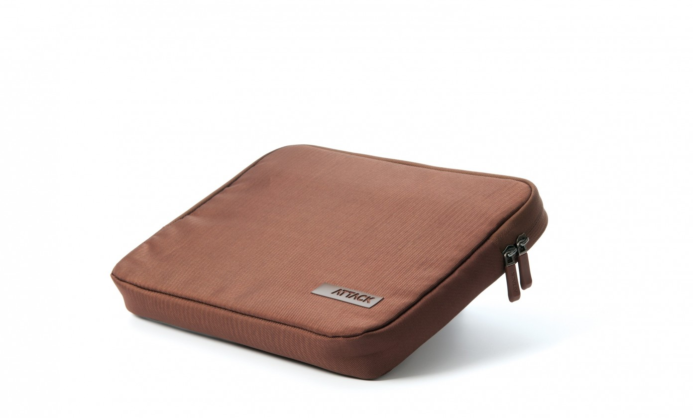 Taška ATTACK Puzdro na notebook Supreme Brown 16,4""