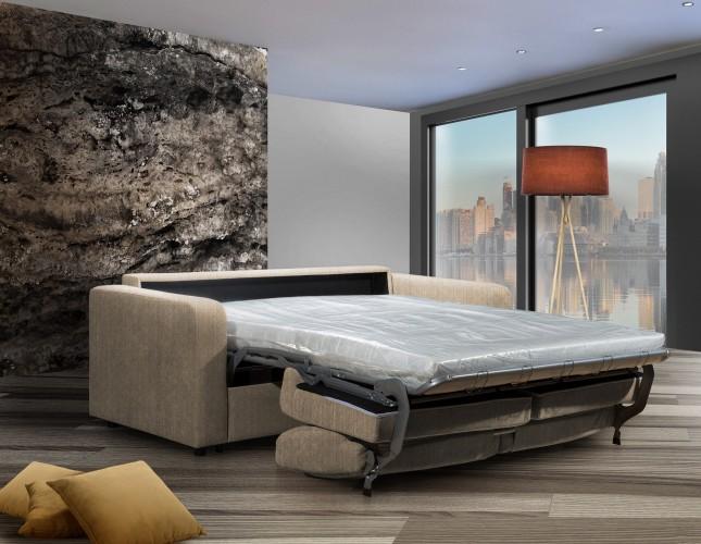Pohovka na každodenné spanie v interiéri