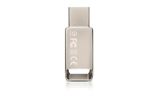 USB 2.0 flash disky ADATA UV130 8GB, kovová
