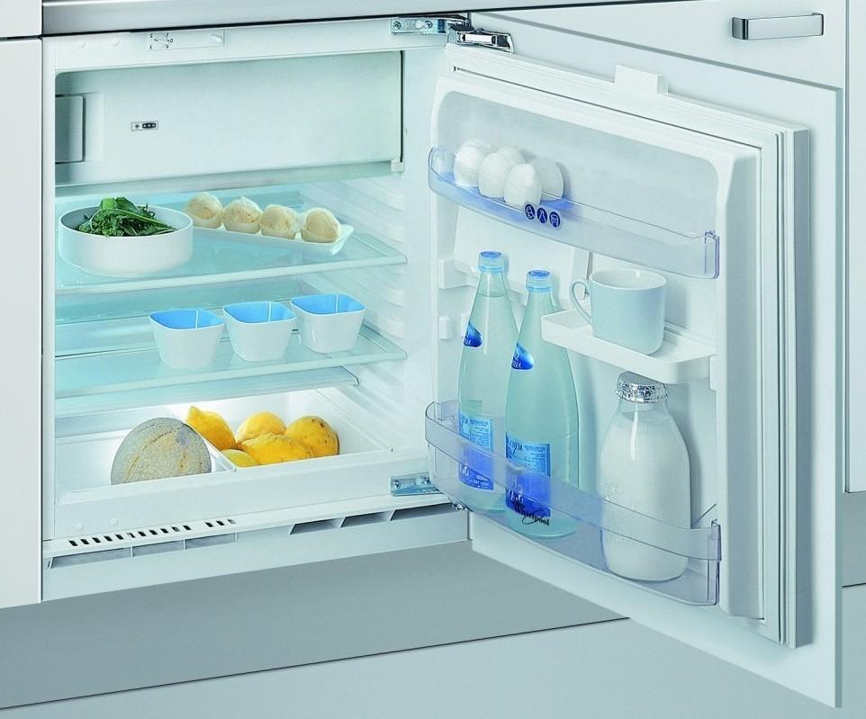 Vstavaná chladnička Vstavaná chladnička Whirlpool ARG 913/A+
