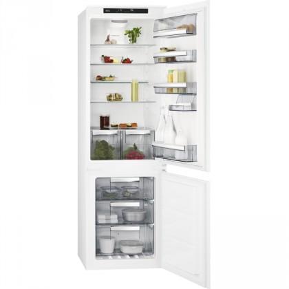 Vstavaná chladnička Vstavaná kombinovaná chladnička AEG SCE81826TS