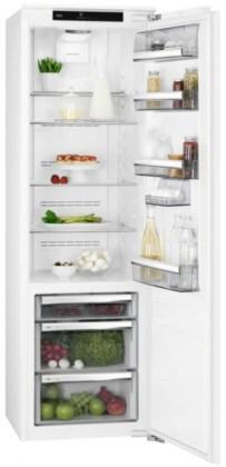 Vstavané chladničky bez mrazničky Vstavaná kombinovaná chladnička AEG SKE818E9ZC
