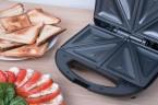 Pripravte si chutné zapečené toasty vďaka toastovaču